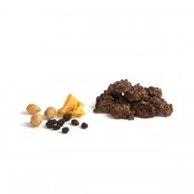 Rocas de chocolate con leche y almendras, arándanos y sponge toffee